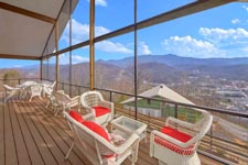 Gatlinburg Cabin with Mountain View